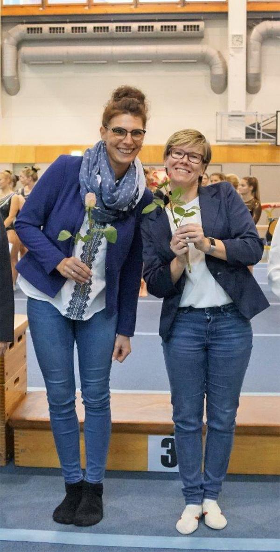 10 Alexander Heller Die Kampfrichterinnen Lisa Bobermien und Yvonne Schemel v