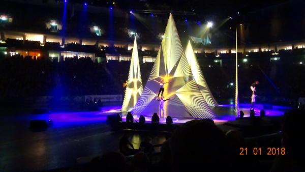 3 Magische AURA beim Feuerwerk der Turnkunstt 2018 in Berlin