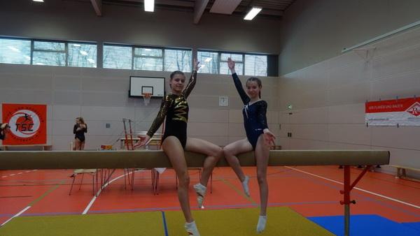 4 T. Trautmann Die 2 Starterinnen in der Jgd. LK4 li. Carolina Baron re. Maria Lara Spann