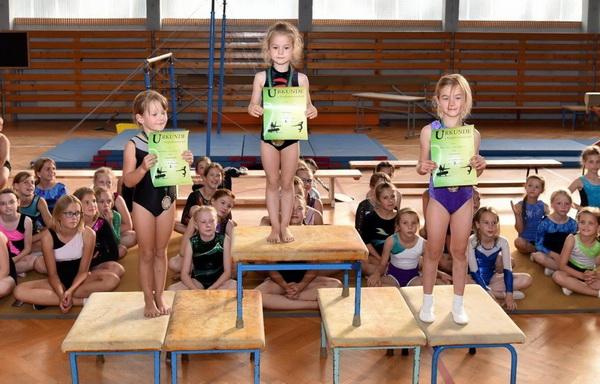 6 Siegerehrung Mädchen Foto D. Wöhe